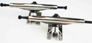 "VJ Skateshop 7"" Reverse 180mm Longboard Skateboard Trucks (Black, Silver)"